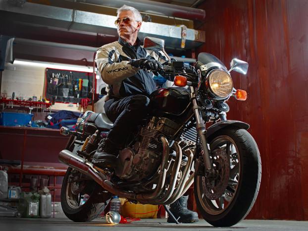 да я люблю торчать в гараже_w
